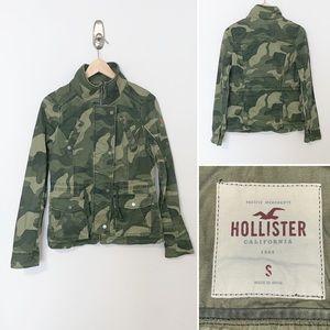 Hollister Camouflage Women's Utility Jacket - Smal